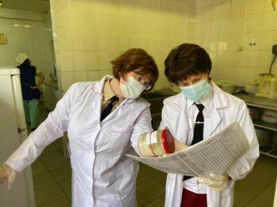 Роспотребнадзор выявил нарушения в школе Дзержинска, где отравились дети