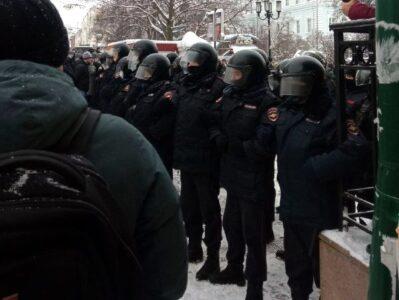 Число нижегородцев, задержанных на акции в поддержку Навального, увеличилось до 90