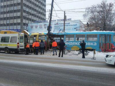 «Нижегородэлектротранс» начал расследование после схода неисправного трамвая с рельсов