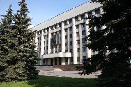 В Нижнем Новгороде возбудили дело после падения мужчины из окна здания МВД
