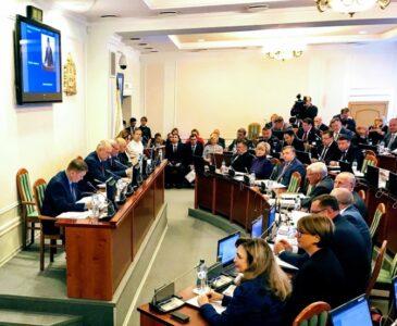 Выборы в Заксобрание-2021: всё те же лица плюс денежные мешки