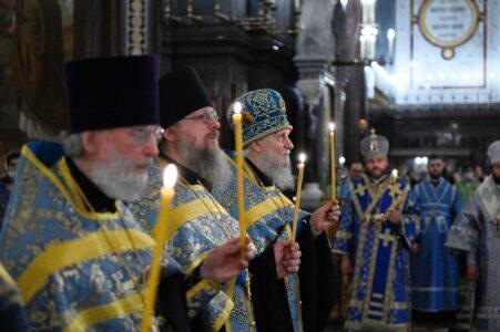 Нижегородские храмы и церкви будут открыты  в нерабочие дни